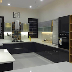 Kitchen at Rampur | Uttar Pradesh Modern kitchen by Studio Square Design Co. Modern