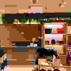 Espaço Comercial - Loja Forte Store - 8º Avenida Espaços comerciais clássicos por Buum Design Studio Clássico Derivados de madeira Transparente