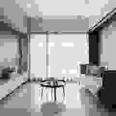 Ruang Keluarga Modern Oleh 肯星室內設計 Modern