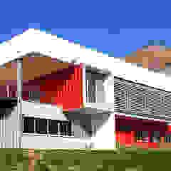 DDIS Arquitectos Kantor & Toko Modern Aluminium/Seng