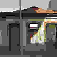 Projecto de Arquitectura - Reabilitação e ampliação de moradia por R&U ATELIER LDA Clássico