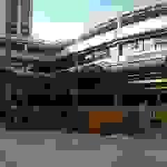 Escolas modernas por REZ Arquitectura   Diseño   Construcción Moderno