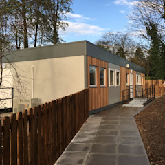 Woodlands Day Nursery Building من Cotaplan Portable Buildings بلدي