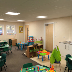Woodlands Day Nursery Building من Cotaplan Portable Buildings حداثي