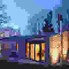Oleh plan.b lichtplanung Modern Kayu Wood effect