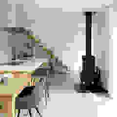 من atelier137 ARCHITECTURAL DESIGN OFFICE إسكندينافي خشب Wood effect