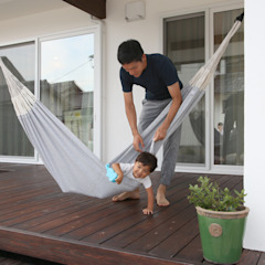 Tropical style balcony, porch & terrace by 株式会社コラボハウス Tropical