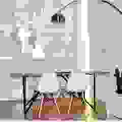 Scandinavian style media rooms by Matteo Montanari Arquitecto Scandinavian Wood Wood effect