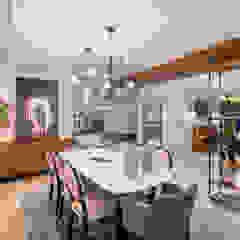 UĞUR BİRKAN EVİ Eklektik Oturma Odası Mimoza Mimarlık Eklektik