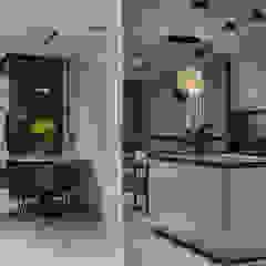Minimalist corridor, hallway & stairs by U-Style design studio Minimalist