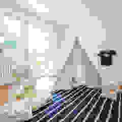 توسط Münchner home staging Agentur GESCHKA مدرن