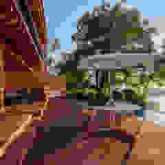 Rustieke balkons, veranda's en terrassen van ONCE ONCE ARQUITECTURA Rustiek & Brocante