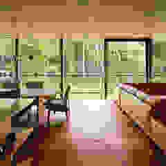 توسط atelier137 ARCHITECTURAL DESIGN OFFICE مدرن شیشه