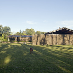 Country style garage/shed by MIDE architetti Country