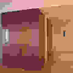 Minimalist corridor, hallway & stairs by atlantico estudio de arquitectura y construccion Minimalist Solid Wood Multicolored