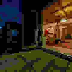 通り土間の家 の インデコード design office モダン