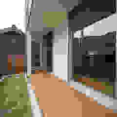 一級建築士事務所 想建築工房 Modern balcony, veranda & terrace