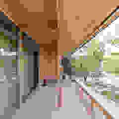 環アソシエイツ・高岸設計室 Asian style balcony, veranda & terrace
