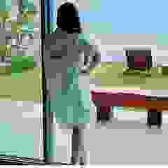 Camacã Design em Madeira Balconies, verandas & terraces Furniture Parket