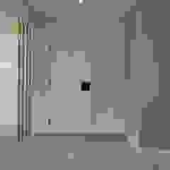 C evolutio Lda Modern Corridor, Hallway and Staircase