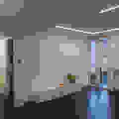 Studio di Architettura IATTONI Salones de estilo minimalista Blanco