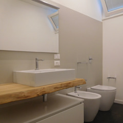 Studio di Architettura IATTONI Baños de estilo minimalista