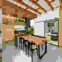Habitus Arquitetura Balkon, Beranda & Teras Modern Parket Wood effect
