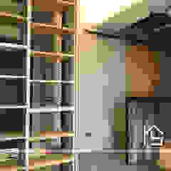 禹陞設計工作室 industrial style corridor, hallway & stairs Wood Grey