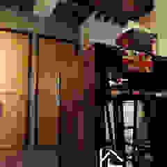 禹陞設計工作室 Industrial style dining room Solid Wood Grey