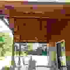 Modelo Constructivo 115 - 138 Balcones y terrazas modernos de R&R Construccion Moderno