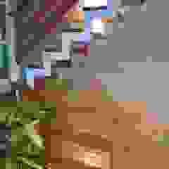Rebello Pedras Decorativas Pareti & Pavimenti in stile moderno Pietra Beige