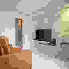 Spazhio Croce Interiores Living roomAccessories & decoration MDF White