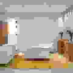 Spazhio Croce Interiores Ruang Studi/Kantor Gaya Kolonial Kayu Buatan White