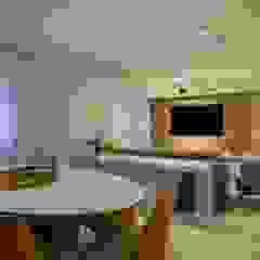 Spazhio Croce Interiores Living roomTV stands & cabinets Aluminium/Seng Grey