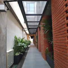 Merkalum Modern corridor, hallway & stairs Glass Black