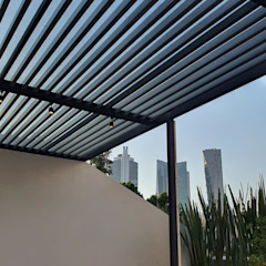 Merkalum Modern balcony, veranda & terrace Glass Black