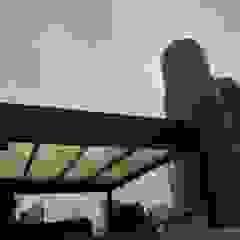 Merkalum Modern balcony, veranda & terrace Aluminium/Zinc Black