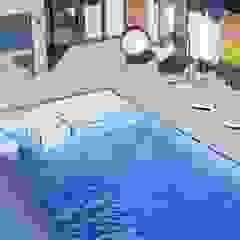 Студия дизайна ROMANIUK DESIGN Minimalist pool