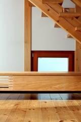 TV boad: trusty wood worksが手掛けたです。