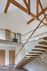 Cantilever Staircase Design By Bisca:  Terrace by Bisca Staircases