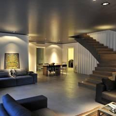 Living room by Fugenlose  mineralische Böden und Wände ,