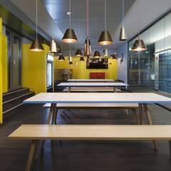Edificios de oficinas de estilo  por LEPEL & LEPEL Architektur, Innenarchitektur,
