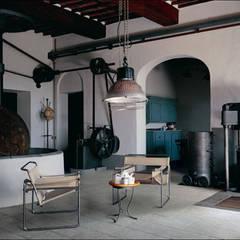 Loft:  Wohnzimmer von RAUMAX GmbH