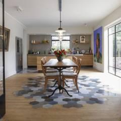 Aranżacje płytek cementowych w kuchni: styl , w kategorii Jadalnia zaprojektowany przez Kolory Maroka