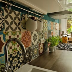 Kitchen by Kolory Maroka, Mediterranean