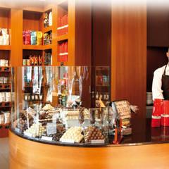 Verschiedene Projekte:  Geschäftsräume & Stores von die creative Holzwerkstätte Lunnebach GmbH