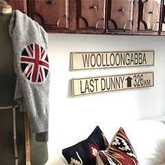 Appartment eines Modedesigners:  Wohnzimmer von Phillys Interior Design