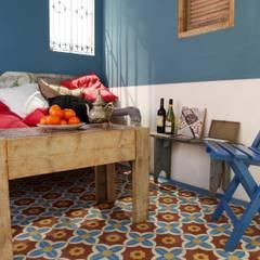 Aranżacje płytek cementowych w pokojach: styl , w kategorii Ściany zaprojektowany przez Kolory Maroka,