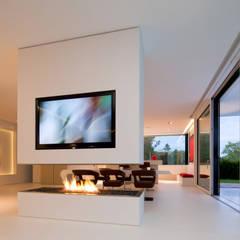 Villa Germany: Moderne Wohnzimmer Von HI MACS®