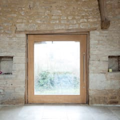 Court Farm Barn:  Windows  by Designscape Architects Ltd
